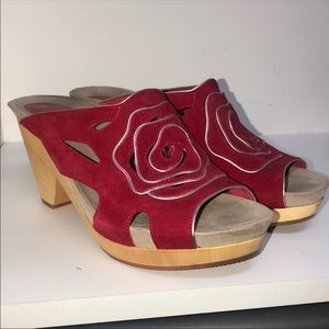 Earthies Red Tropez Clogs EUC Size 10